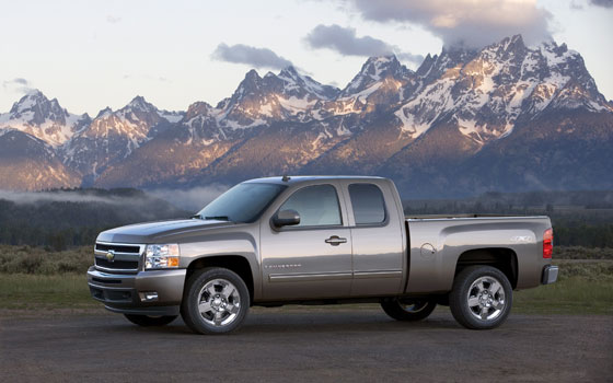 GM Dropping 6.0-liter V-8 from Light-Duty Lineup