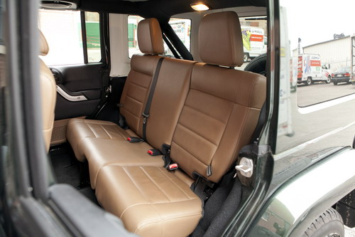 Wrangler_Unlimited_backseat