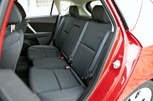 Mazda3_backseat