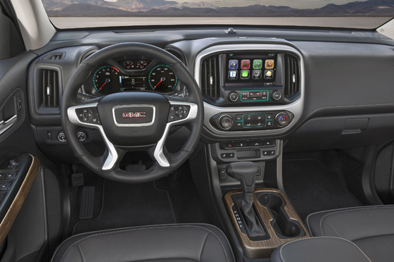2017-GMC-Canyon-Denali-008 II