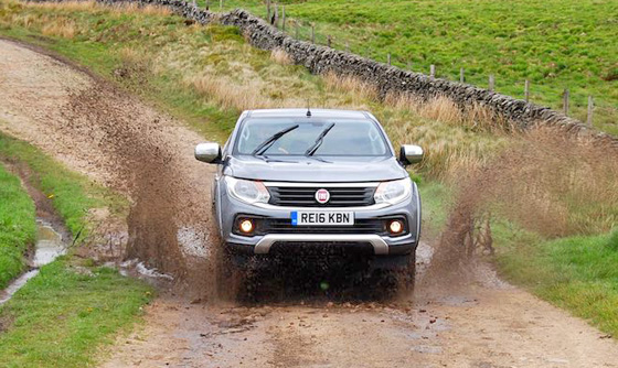 Fiat Fullback water splash II